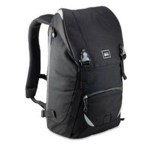 REI Co-op Quantum Messenger Pack Black